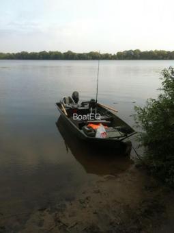 Лодка UMS 400 (TUNA Boats 400 j-ran)